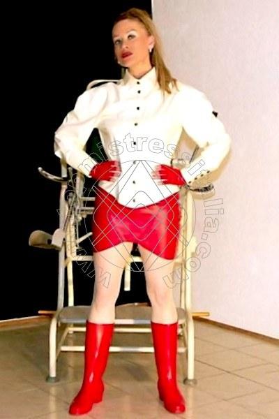 Dominatrix Mistress Herrin Roxana DACHAU 00491715125250